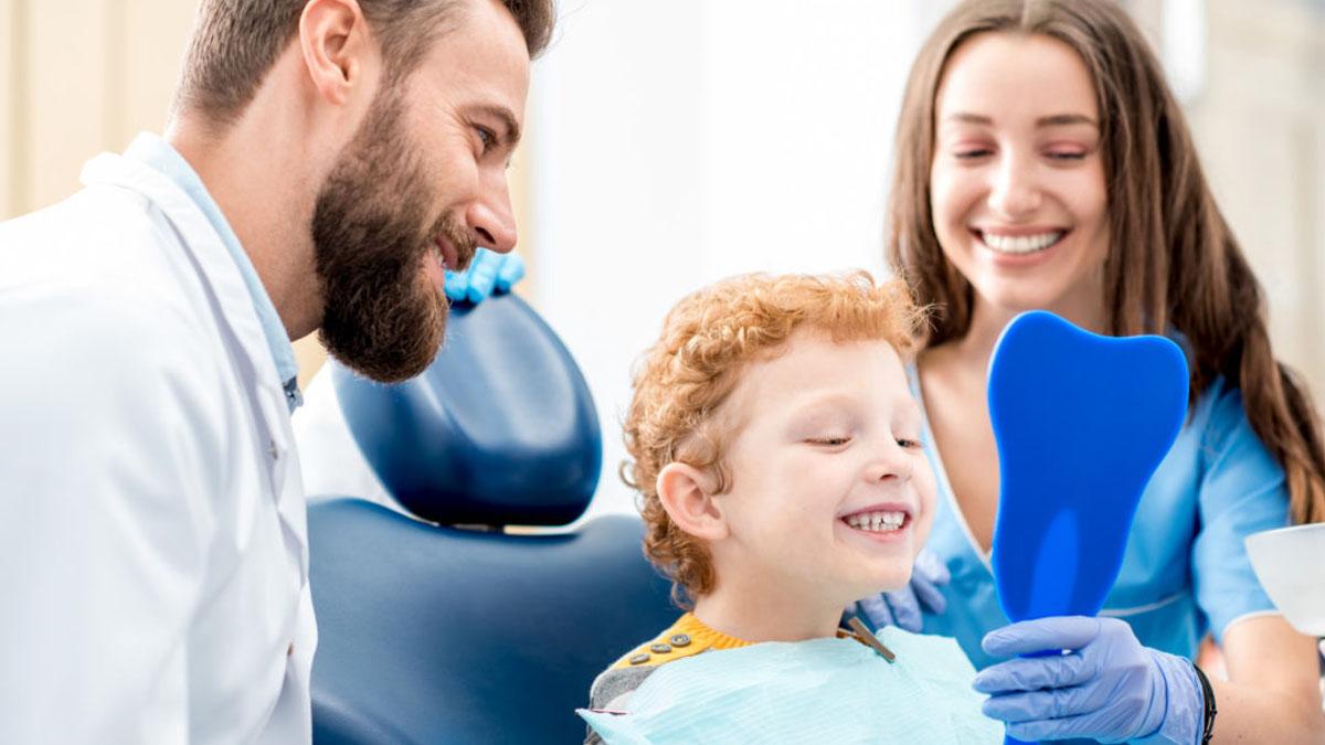 studio-dentistico-a-legnano_igiene-orale-bambini-ragazzi 2